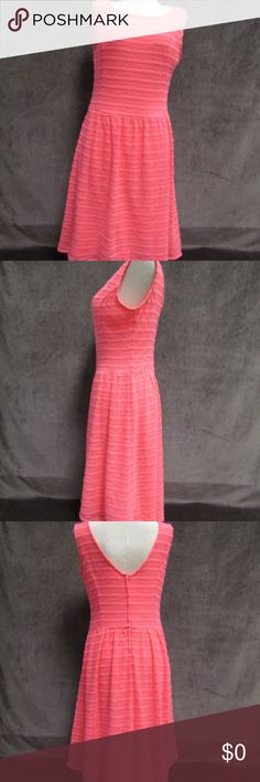 Beautiful Lily Pulitzer Coral dress size S Beautiful and Simple Lily Pulitzer Coral dress in great condition size S Lilly Pulitzer Dresses Midi