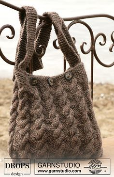 Ravelry: 98-55 Bag with cable pattern in Eskimo pattern by DROPS design