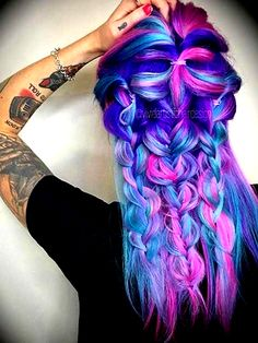 haar und beauty Galaxy Hair - There are simply not enough words to express the love we have for this crazy, colorful and absolutely beautiful look. Hair Color Purple, Cool Hair Color, Galaxy Hair Color, Funky Hairstyles, Pretty Hairstyles, Ponytail Hairstyles, Braided Hairstyle, Latest Hairstyles, Summer Hairstyles