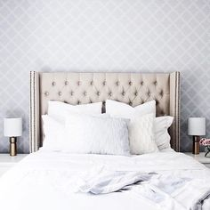We wouldn't want to get out of bed in this gorgeous bedroom featuring our Versailles bed  @heartsandkrafts #structube #mystructubestyle