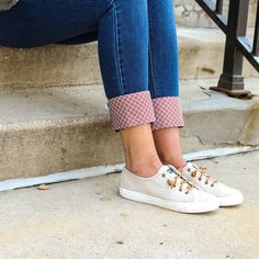 These adorable Kuhfs will soon become your favorite go-to Kuhfs. They are perfect for your white or dark rinse jeans to give your outfit a fun pop of color and pattern. Pair them with jeans and a cute tee and you'll be out the door in no time looking styl