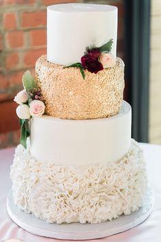 wedding cakes burgundy Wedding cake for Champagne and Burgundy Fall wedding Champagne Wedding Cakes, Floral Wedding Cakes, Fall Wedding Cakes, Wedding Cake Decorations, White Wedding Cakes, Wedding Confetti, Fall Wedding Colors, Beautiful Wedding Cakes, Wedding Cake Designs