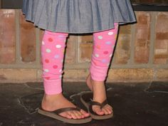 Homemade Leggins for little girls. I NEED to learn how to sew.  They look super easy too.