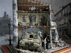 Used kits: 36007 BUDAPEST 1945 35008 GERMAN SELF-PROPELLED GUN CREW Modeller Ali Ata (Turkey)