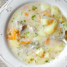 Zupa ogórkowa na żeberkach | Kwestia Smaku Clean Recipes, Soup Recipes, Cooking Recipes, Healthy Recipes, Polish Soup, Food Experiments, Hungarian Recipes, Frugal Meals, One Pot Meals