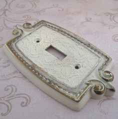 Switch Plate, Vintage, 1970s, light switch cover, switchplate, White, light switch, Single Toggle, switchplate, light cover, switch cover