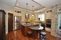 http://www.timobrienhomes.com/neighborhoods.htm New homes on lots. Photo Gallery - Tim O'Brien Homes