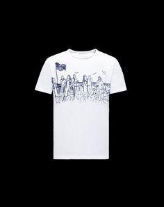 Scopri T SHIRT in T Shirt da Uomo; guarda le caratteristiche e acquista online direttamente dal sito ufficiale Moncler.