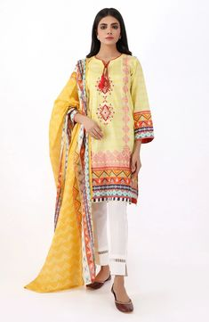 Orient Latest Lawn Suits Spring Summer Collection consists of digital printed, floral, block printed embroidered 3 piece lawn dresses designs Pakistani Lawn Suits, Pakistani Dresses Casual, Pakistani Salwar Kameez, Trendy Dresses, Summer Dresses, Suits Online Shopping, Suits For Women, Ladies Suits, Sophisticated Outfits