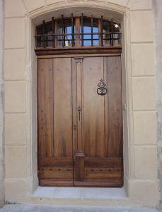 Porte d 39 entr e en noyer mod le renaissance fabrication - Imposte pour porte d entree ...