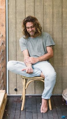 Bearded Corby is so laid-back he's positively beatific: his sumptuous croons could be unfolding behind glass Matt Corby, Mode Masculine, Hair And Beard Styles, Long Hair Styles, Beautiful Men, Beautiful People, Long Hair Beard, Tropical Fashion, Boys Long Hairstyles