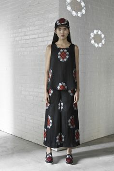 Look by CC KUO from the SS15 collection exclusively on betosee.com Discover the all collection : http://www.betosee.com/collection/1363 #womenswear #trends2015 #fashion