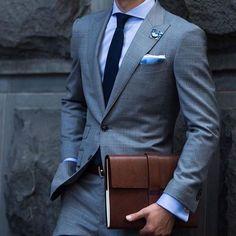 Grey slim fit suit with blue offsets. Very classy #suit #stylish #menssuit