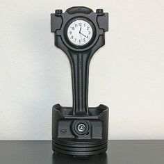 To ci dopiero zegar :-) // Recycled Mercedes Benz Piston Desk Clock - this artist is too cool. He uses old car parts. I love this piece. ($175) From Etsy. #clock #automebel #car #furniture #slkamienice #industriada #competition #konkurs #eco #recykling #recycle #design