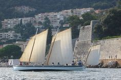 YOLE DE VILLEFRANCHE SUR MER : yole de Bantry LAïSSA ANA, près de Nice, labelBIP