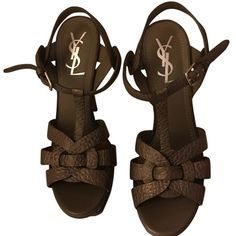Pre-owned Saint Laurent Yves Tribute 105 Textured Leather Sandal Taupe... (10135085 BYR) ❤ liked on Polyvore featuring shoes, sandals, taupe, yves saint laurent sandals, taupe shoes, high heel platform shoes, yves saint laurent en high heel sandals