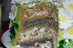 Маковый торт с ореховым безе