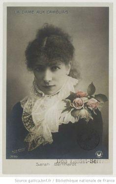 Sarah Bernhardt (1844 - 1923) dans «La Dame aux camélias», pièce d'Alexandre Dumas, fils: 1882 autant de grands rôles qu'endossa celle que Victor Hugo avait surnommée « la Voix d'or »...