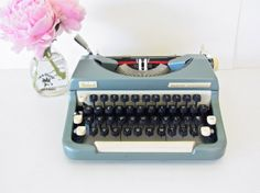 vintage typewriter / extremely RARE working by thespectaclednewt, $546.00