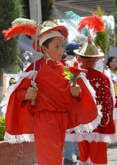 Dancer in Red Mexico by Ilhuicamina, via Flickr