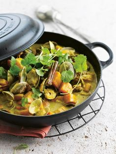 Curry de coquillages Gourmet Recipes, Vegetarian Recipes, Cooking Recipes, Coconut Curry, Fish And Seafood, Pumpkin Spice, Spiced Pumpkin, Food Styling, Spicy