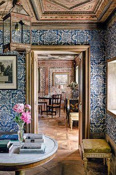 Decoration Design, Deco Design, Types Of Sofas, Interior Decorating, Interior Design, Portuguese Tiles, White Tiles, Architectural Digest, Best Interior