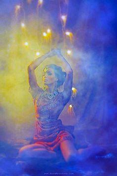 """The Goddess awakens in our hearts before she awakens in the world"" ~ Marianne Williamson Photo by Anna Morozova Tribal Fusion, Sacred Feminine, Divine Feminine, Dance Oriental, Isadora Duncan, Pin Up, Marianne Williamson, Belly Dancers, Gypsy Soul"