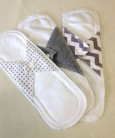 Natural Girl re-usable modern cloth sanitary menstrual pads. LIGHT or panty liner pads Sewing Crafts, Sewing Projects, Mama Cloth, Menstrual Pads, Cloth Pads, Cloth Diapers, Clothes, Zero Waste, Napkin