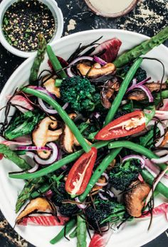 Superfood salad with miso tahini dressing: A healthy summer salad that packs a nutritional punch Healthy Recipes, Real Food Recipes, Salad Recipes, Vegetarian Recipes, Cooking Recipes, Yummy Recipes, Yummy Food, Skinny Recipes, Healthy Foods