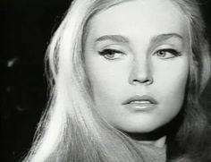Dyanik Zurakowska actriz cine y tv. N.en 1947 en R.del Congo