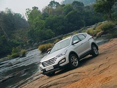 #SantaFe on its way! The 2016 SUV from #Hyundai will get an e-4WD system! Scoop up Spy pics here>>http://bit.ly/1DEisnT