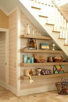 Blog - Embaixo da escada tem... veja ideias pra aproveitar bem esse espaço