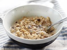 No Sugar Added Apple Pie Overnight Oats are the perfect healthy and delicious make-ahead breakfast for summer. Step by step photos.
