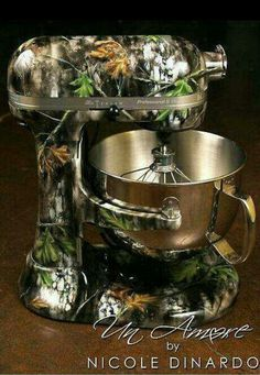 Camouflage blender!!!!!!!!!! Oh my gosh i want this so bad!!!!