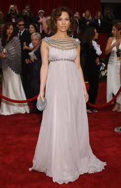 Jennifer Lopez in Marchesa - Fashion Flashback: 2007 Oscars Red Carpet - StyleBistro