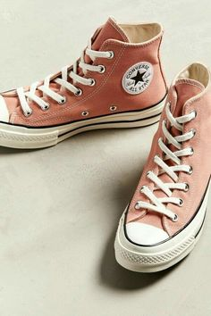 Swag Shoes, Shoes Heels, Converse Shoes Outfit, Converse Sneakers, Converse High, Black Converse, High Top Converse Outfits, Skater Outfits, Converse Chuck Taylor All Star