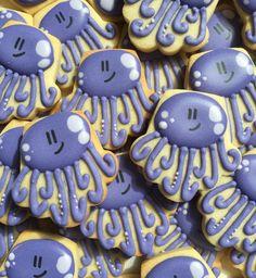 "219 Likes, 4 Comments - The Teeny Tiny Bakery (@teenytinybakery) on Instagram: ""Octopi. Original design by @yankeegirlyummiescookies #teenytinybakery #torontobakery…"""