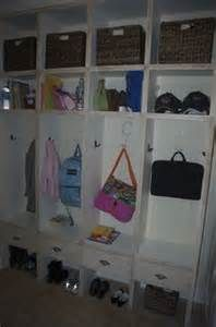 Organizing Your Mud Room: Storage Solutions and Décor Ideas - Entryway - Page 2 Daycare Organization, Household Organization, Garage Lockers, Small Mudroom Ideas, Protecting Your Home, Laundry Room Design, Entryway, Foyer, Getting Organized