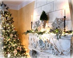 lime Green mantle decor | ... House: ~ Christmas Mantel 2009 White & Black with Silver & Lime Green