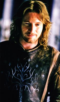 Faramir, aka HOT. I didn't consider him much at first. Then I read the books, and when I re-watch the movies again... <3 <3 <3