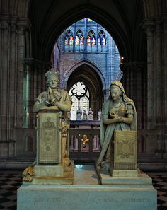 Memorial to Louis XVI and Marie Antoinette  -St Denis 121