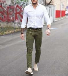 New post on mens-fashion-inspiration Mode Masculine, Look Fashion, Fashion Outfits, Mens Fashion, Fashion Styles, Fashion Clothes, Best Street Style, Casual Outfits, Men Casual