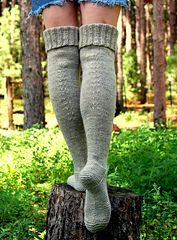 Ravelry: pencilinthepines' warm and woolly waders free pattern Cable Knit Socks, Knitting Socks, Hand Knitting, Knitting Patterns, Knitting Wool, Knitting Ideas, Thigh High Socks, Knee Socks, Thigh Highs
