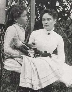 """Taken in Cape Cod, Massachusetts and shows eight-year-old Helen Keller with her teacher Anne Sullivan. Both Keller and Sullivan indicated later in their journals that """"doll"""" was the first word Helen Keller learned in sign language in March 1887 Helen Keller, Tilda Swinton, Photos Du, Old Photos, Anne Sullivan, Sullivan Family, Maria Callas, Interesting History, Before Us"""