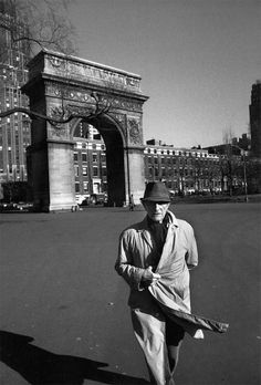 Marcel Duchamp in Washington Square, by Ugo Mulas, New York, 1964