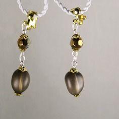 Galets de quartz fumé dépolis et cristal taillé métallisé pour ces boucles d'oreille ethnique