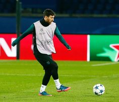 Entrenando en París, de cara al importante partido de Champions de mañana.  Training session in Paris ahead of tomorrow's important UEFA Champions League match. #fashion #style #stylish #love #me #cute #photooftheday #nails #hair #beauty #beautiful #design #model #dress #shoes #heels #styles #outfit #purse #jewelry #shopping #glam #cheerfriends #bestfriends #cheer #friends #indianapolis #cheerleader #allstarcheer #cheercomp  #sale #shop #onlineshopping #dance #cheers #cheerislife…