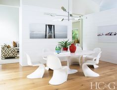 A Family Home In Amagansett Gets A Contemporary Makeover
