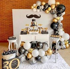 See how to organize your party 18 years with amazing themes to impress guests! 70 are inspirations to do on your day! 60th Birthday Party Decorations, Gold Birthday Party, Adult Birthday Party, 30th Birthday Parties, Bachelorette Party Decorations, 50th Birthday, Mustache Party Decorations, Yellow Birthday, Balloon Arch