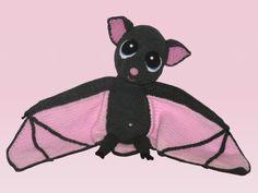 Die kleine Fledermaus möchte echt gern von Dir gehäkelt werden. Hol Dir doch einfach gleich die Anleitung und häkle dann einfach los. Das wird Dir gefallen.